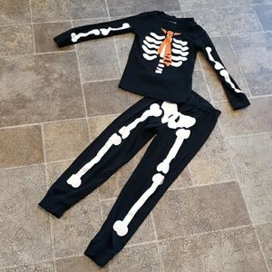 Gymboree size 6 Halloween glow in the dark pjs
